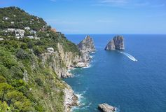 Capri-kust, Campania, Italië Royalty-vrije Stock Afbeeldingen