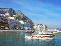 Capri, Nápoles, Italia El puerto del pueblo Marina Grande Imágenes de archivo libres de regalías