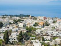 Capri, Naples, Włochy Widoki wioska Anacapri od chairlift fotografia stock