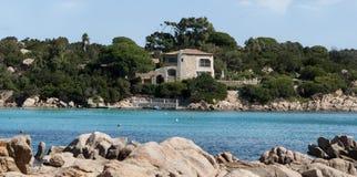 撒丁岛capriccioli海湾 免版税库存图片