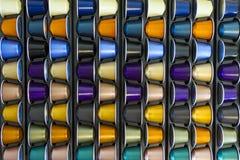 Capsula di alluminio del caffè di colori differenti Immagine Stock