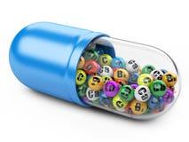 Capsule avec des vitamines et des minerais Photos libres de droits