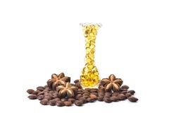 Capsule d'huile de poisson, Omega 3-6-9 capsules molles de gels de jaune d'huile de poisson Image stock