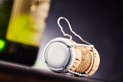 Capsule de liège et en métal avec le dessus vide Photographie stock libre de droits