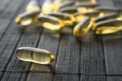 Capsule dell'olio di fegato di merluzzo Fotografia Stock Libera da Diritti