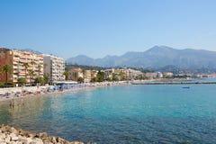 Capsule la costa de Martin Roquebrune, mar azul de riviera francesa Fotografía de archivo