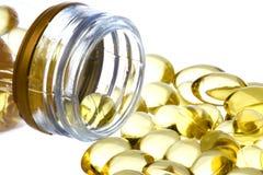 capsules изолированное треской масло макроса печенки Стоковое Фото