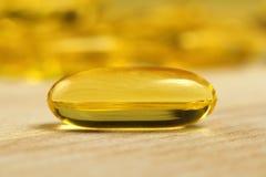 Capsules de gel d'huile de poisson d'Omega 3 Images libres de droits