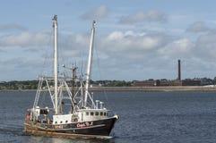 Capt för skyttel för kommersiellt fiske D J i den New Bedford hamnen arkivbilder
