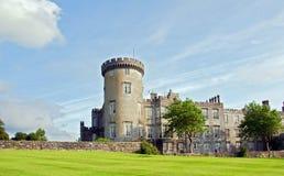 Captação do castelo irlandês vibrante no condado clare Foto de Stock