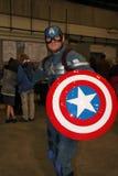 Captain Amerika, das an Sheffield Film und an komischem Betrüger 2014 cosplay ist Lizenzfreie Stockfotografie