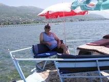 Captain no barco sightseeing no ohrid do lago, Macedônia Fotografia de Stock Royalty Free