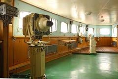 Captain& x27; s-bron av den första sovjet kärn--drev isbrytaren Arkivfoton