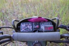 Capteur de température à refroidissement par air de moteur de moto images stock