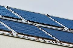 Capteur solaire Technologie verte Capteurs solaires de vide solaires photos stock