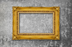 Capítulo del oro en la pared del grunge Foto de archivo libre de regalías
