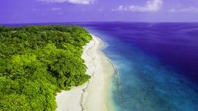 Capturando praias em maldives imagens de stock