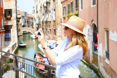 Capturing the moment of sightseeing Royalty Free Stock Photography