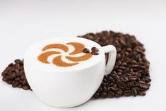 Capuccine con i chicchi di caffè Immagine Stock Libera da Diritti