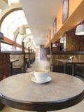 Capuccino на кафе Стоковая Фотография RF