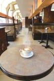 Capuccino przy kawiarnią Zdjęcie Stock