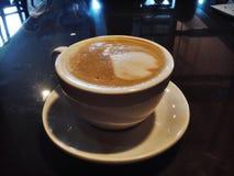 Capuccinotasse kaffee lizenzfreies stockbild
