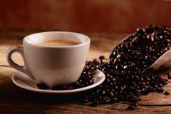 Capuchino - café y leche imagenes de archivo