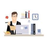 Carácter joven del hombre de negocios que come los alimentos de preparación rápida en su lugar de trabajo de la oficina, vida de  ilustración del vector