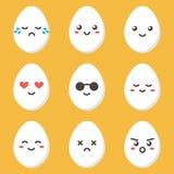Carácter lindo del huevo del pollo de la historieta plana del diseño con diversas expresiones faciales, emociones Foto de archivo libre de regalías