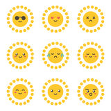 Carácter lindo del sol de la historieta plana del diseño con diversas expresiones faciales, emociones Imagenes de archivo