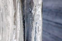 Carámbano congelado en el tejado en invierno Foto de archivo libre de regalías