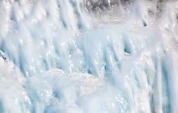 Carámbanos en la pared del hielo imagen de archivo libre de regalías