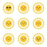 Caráter bonito do sol dos desenhos animados lisos do projeto com expressões faciais diferentes, emoções Imagens de Stock