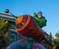 Caráter da parada do ano claro do zumbido de Disney Pixar foto de stock