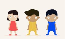 Caráter de três crianças chocado e que está no fundo branco fotografia de stock