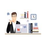 Caráter novo do homem de negócios que senta-se na mesa com portátil e no funcionamento, dia a dia do vetor do empregado de escrit ilustração do vetor