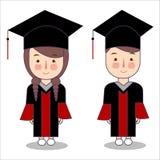 Caráteres das crianças do estilo dos desenhos animados do vetor no tampão da toga da veste da graduação Aluno do menino e da meni ilustração stock