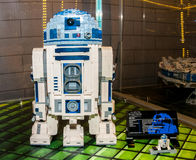 Caráteres de Star Wars, R2D2, feito por blocos de Lego Imagens de Stock