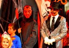 Caráteres pitorescos do carnaval de Dia das Bruxas Fotografia de Stock