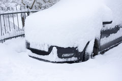 Car covered in snow Royalty Free Stock Photography