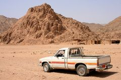 Car at desert Royalty Free Stock Photos