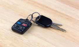Car keys on wood countertop Royalty Free Stock Photography