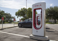 Free Car Parked At Tesla Charging Station Stock Photography - 56001072