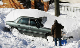Free Car Under Snow Stock Images - 17581684