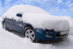 Car under snow Royalty Free Stock Images