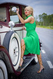 car vintage woman Στοκ εικόνα με δικαίωμα ελεύθερης χρήσης