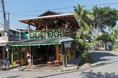 Caraïbisch blokhuis in Puerto Viejo, Costa Rica royalty-vrije stock foto