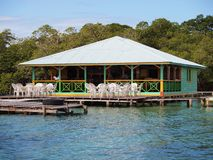Caraïbisch restaurant over het overzees royalty-vrije stock foto's