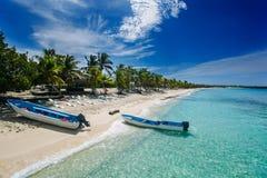 Caraïbisch strand in het eiland van Catalina, Dominicaanse Republiek Royalty-vrije Stock Foto