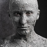 Cara asustadiza con la piel agrietada foto de archivo libre de regalías